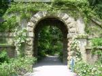 en_derbyshire_chatsworth_garden_arch